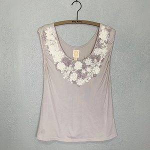 Anthropologie Ric Rac blouse w/ lace floral collar